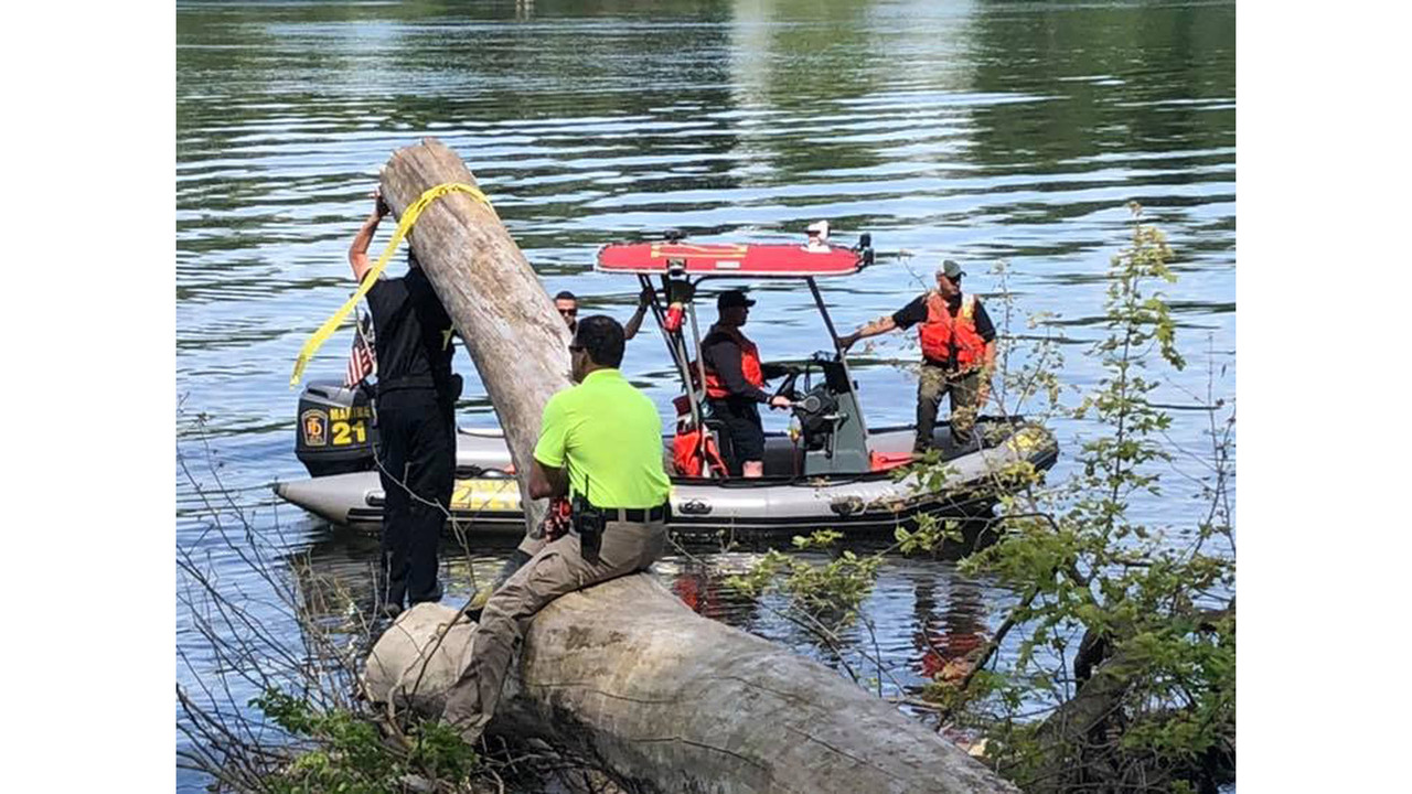 Police search Connecticut River in Suffield following report of possible submerged body
